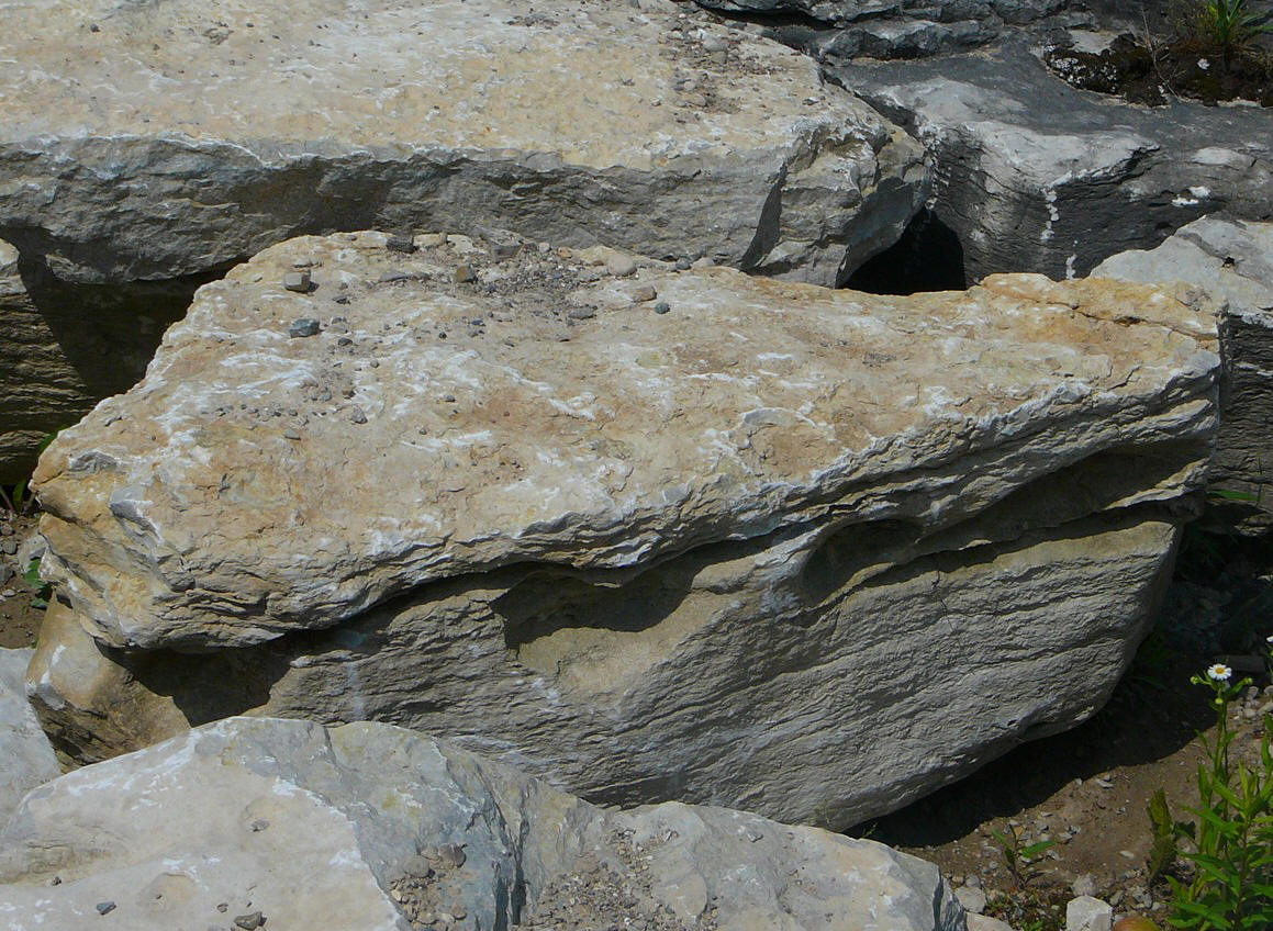 weatheredge limestone medium size